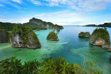 Tour Kaimana Triton Papua
