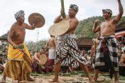 Paket Wisata Perang Pandan Tenganan Bali Pesona Indonesia - fototrip 3