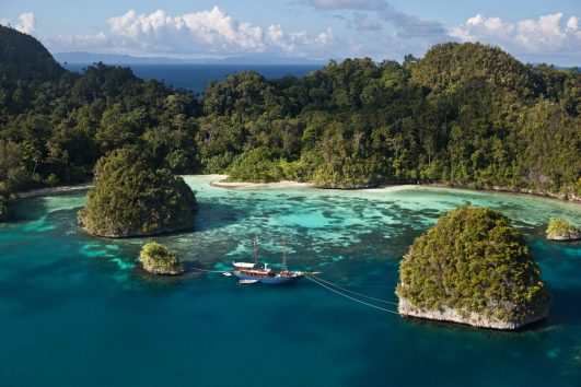 Wisata Raja Ampat Papua Pesona Indonesia