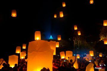 1000 Lampion Waisak Borobudur