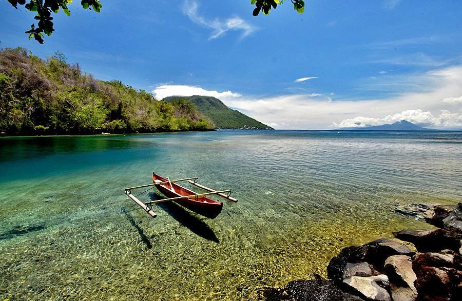 Pantai-Sulamadaha-Ternate